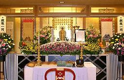 広島県の家族葬、東雲会館祭壇の写真