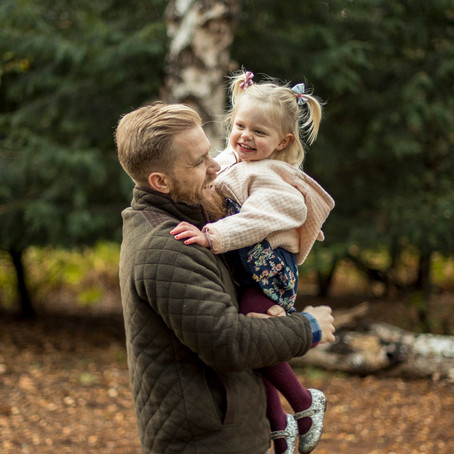 5 top tips on how to get natural photographs during your family session