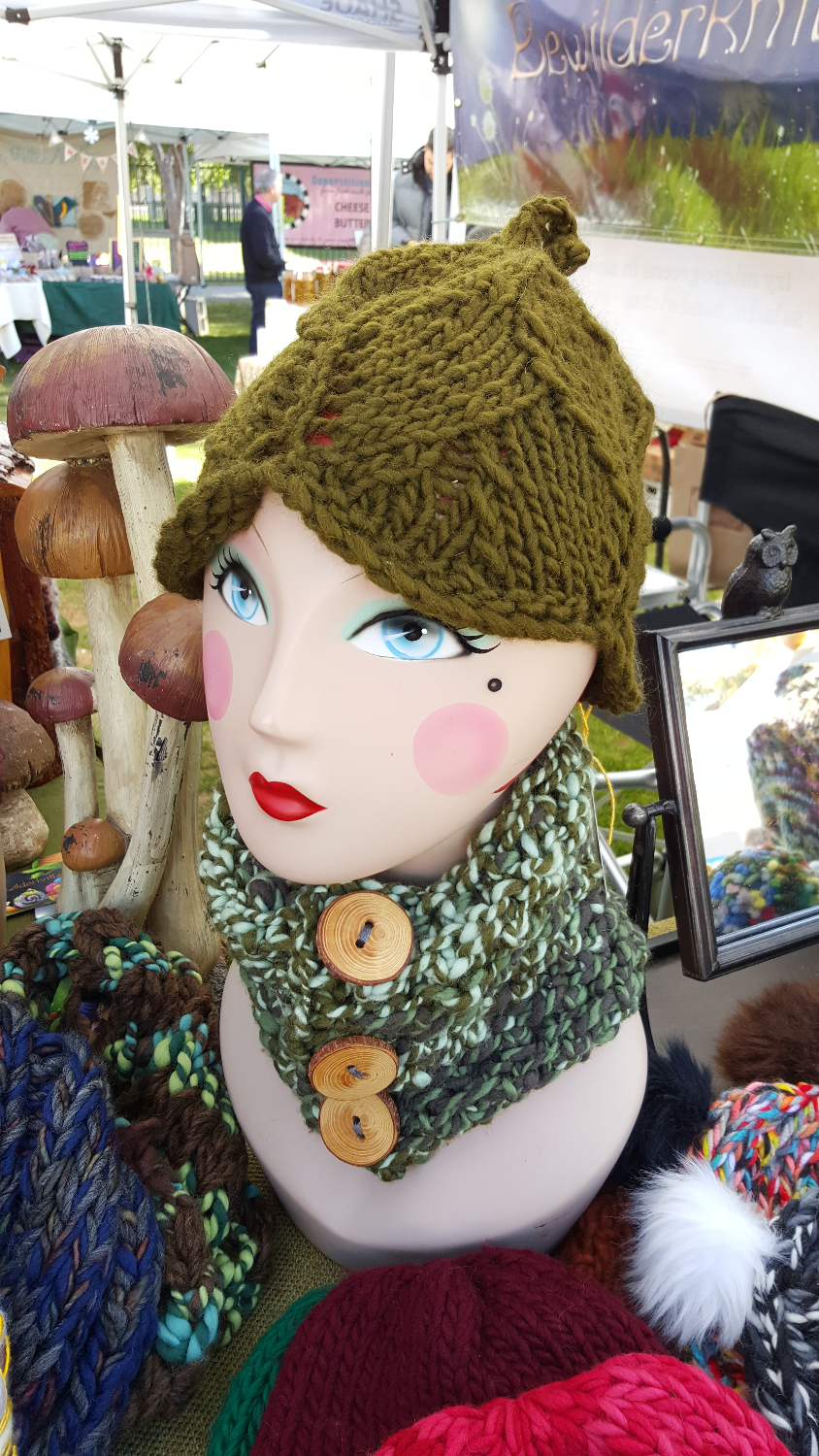 Cora's Handspun Cowl and Leaf Hat