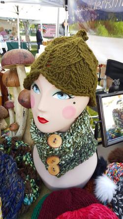 Cora's Handspun Cowl and Leaf Hat