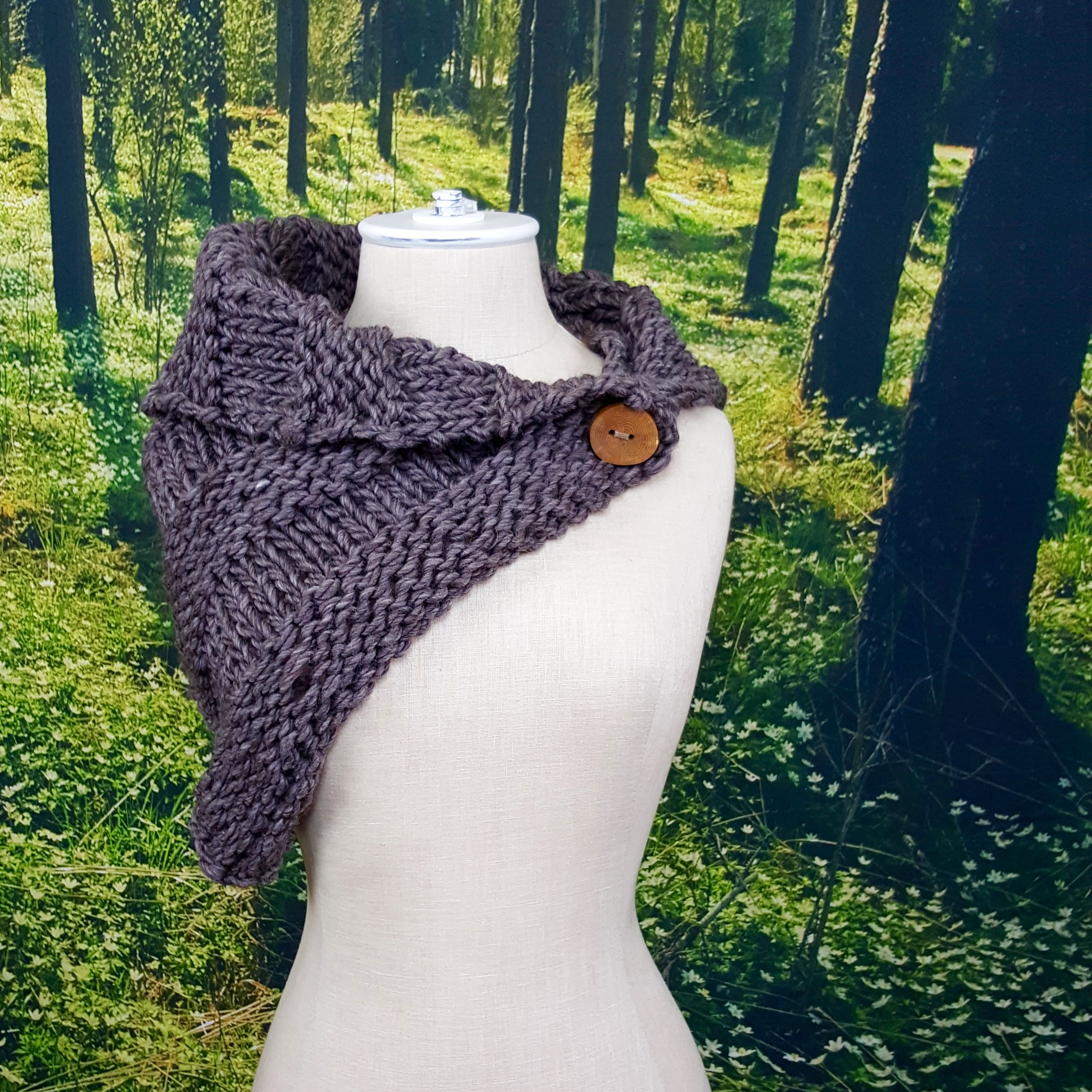 Cliff Rock Button Cowl