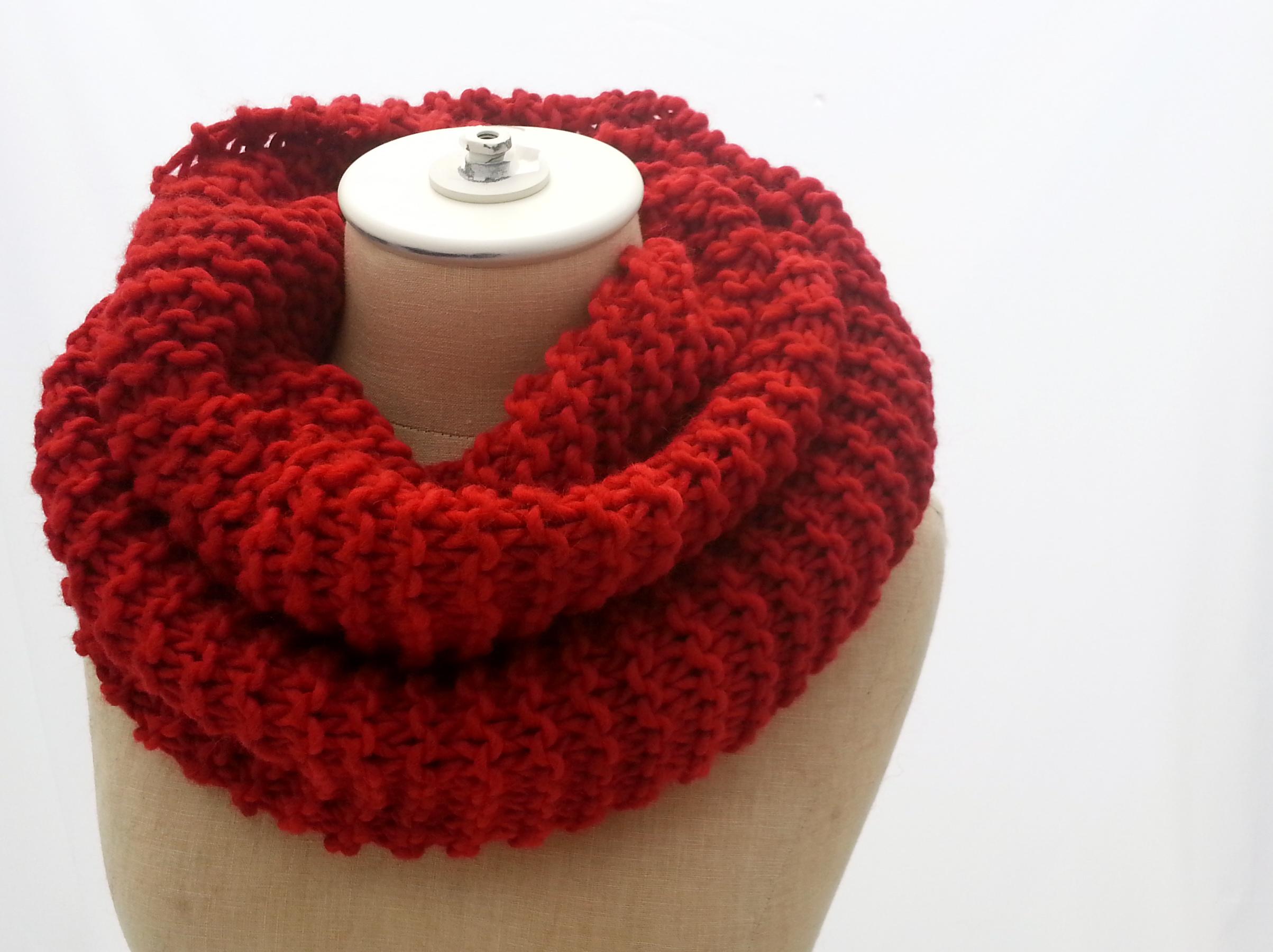Crimson Infinity Scarf
