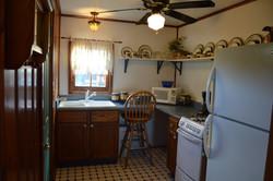 River Stone Cabin - Kitchen (3)