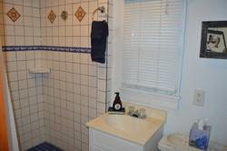 Paddle Wheel Cabin - Bathroom (2)