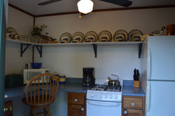 River Stone Cabin - Kitchen (2)