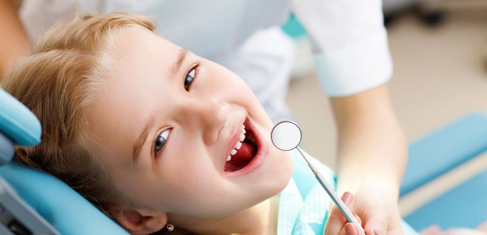 crian%C3%A7a-ao-dentista_edited
