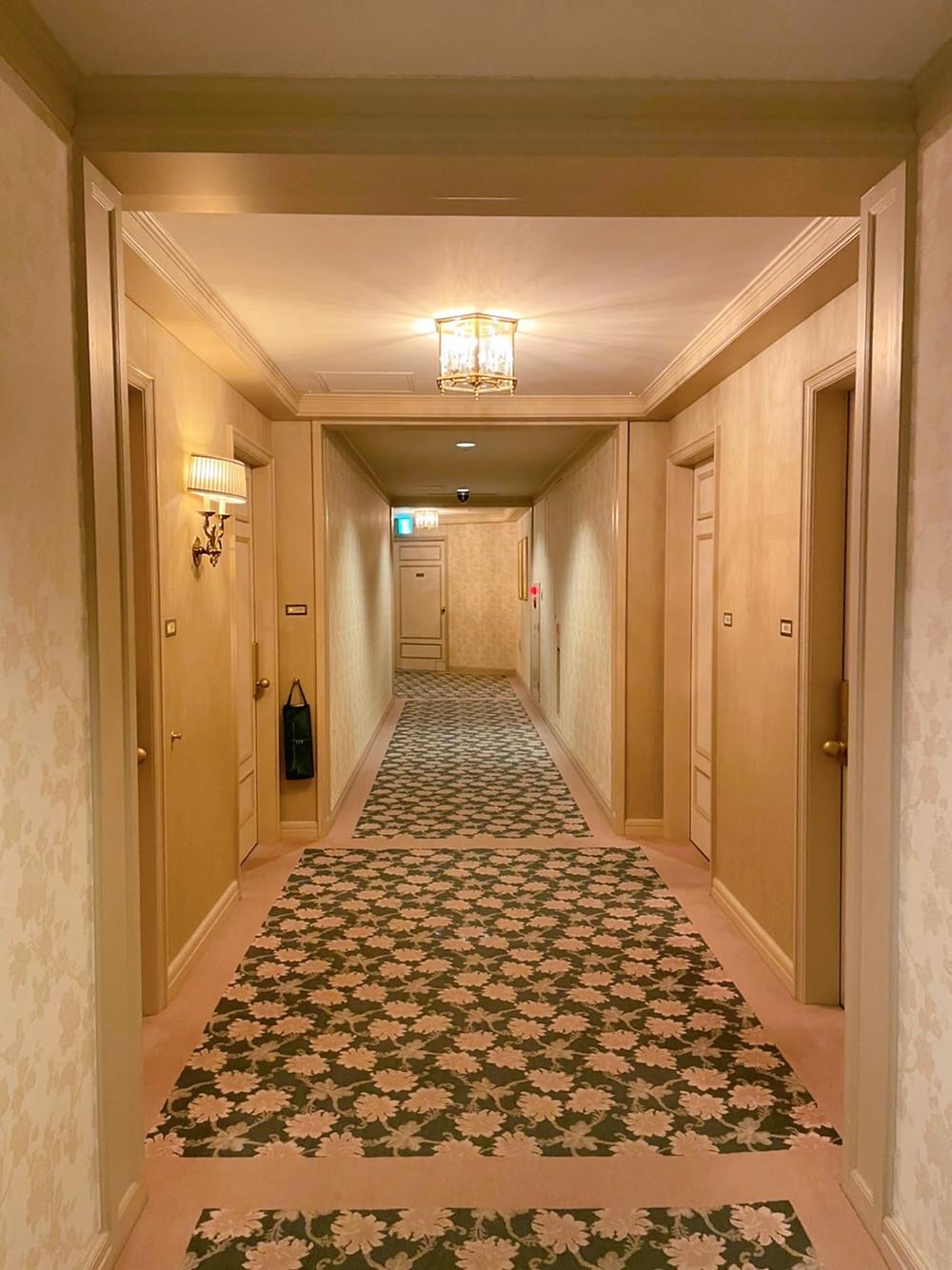 ホテル椿山荘東京の客室までの様子