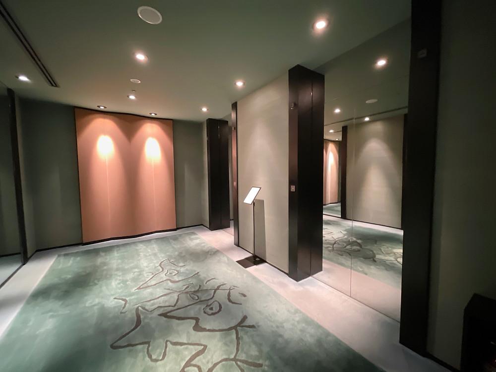 パークハイアット東京のエレベーターホール