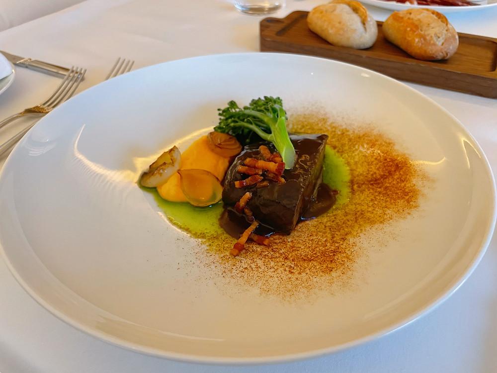 東京エディション虎ノ門でのディナー(ルームサービス)のステーキ