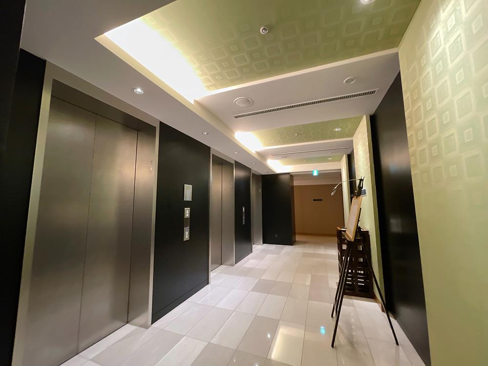 マンダリンオリエンタルホテル東京のエレベーターホール