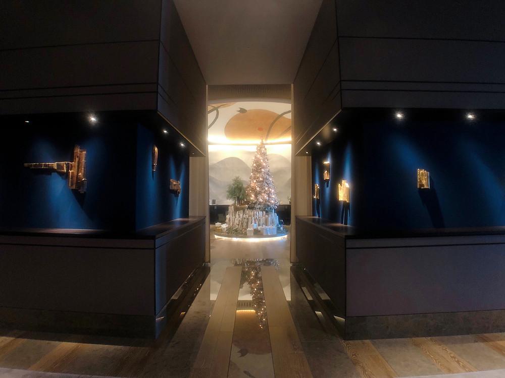 フォーシーズンズホテル東京大手町のロビー前の様子
