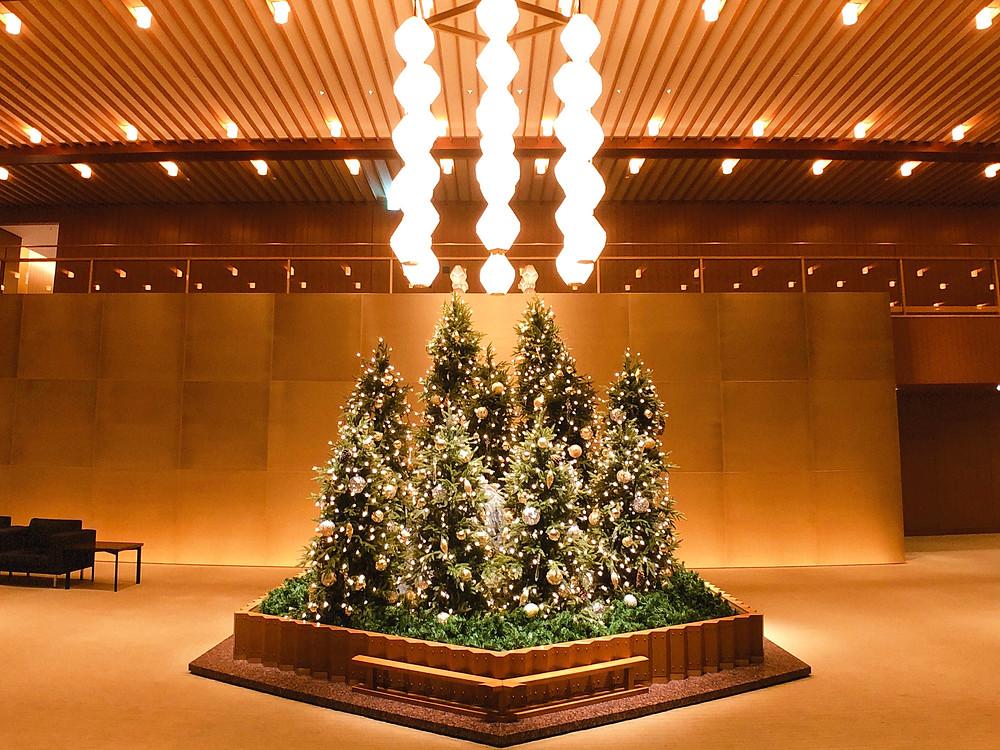 オークラ東京 プレステージタワーのエントランスの装花