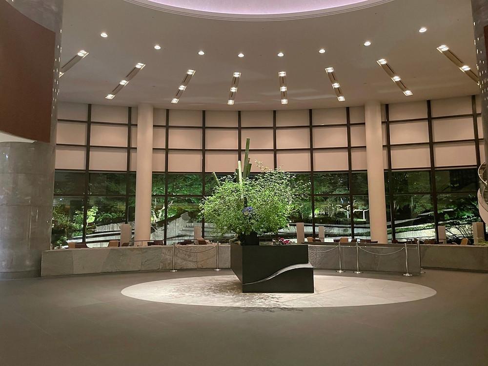 セルリアンタワー東急ホテル 夜間のエントランス