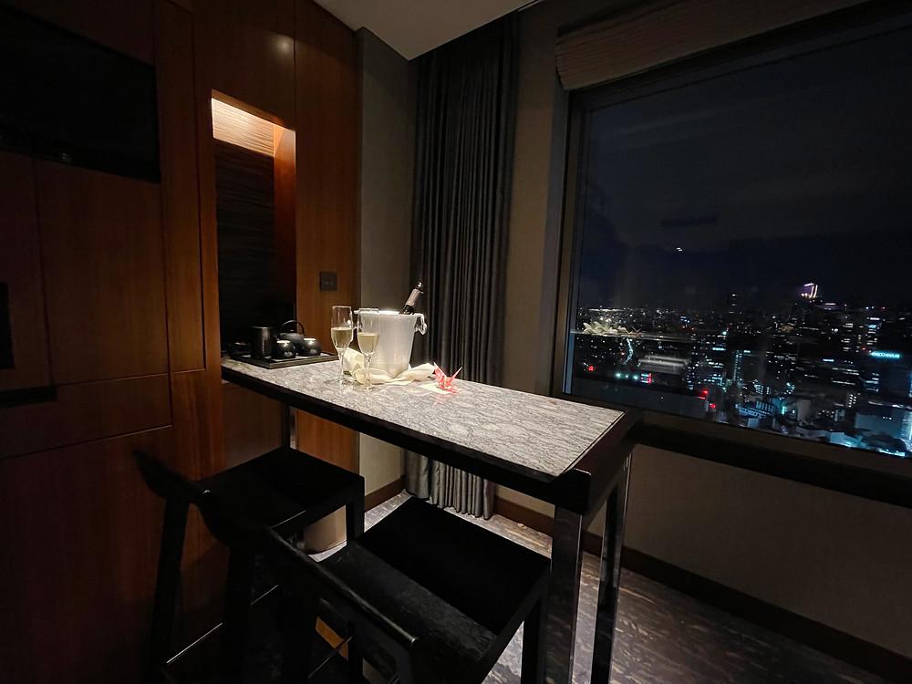 セルリアンタワー東急ホテル コーナースイートのバーカウンター