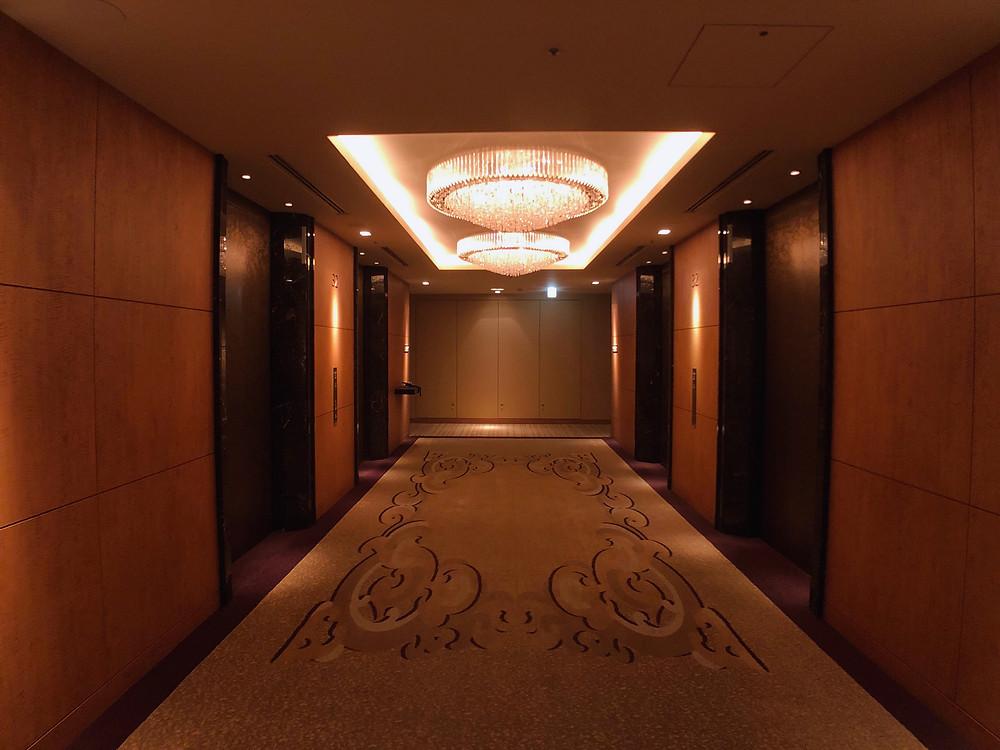 シャングリ・ラ ホテル東京のエレベーターホールの様子