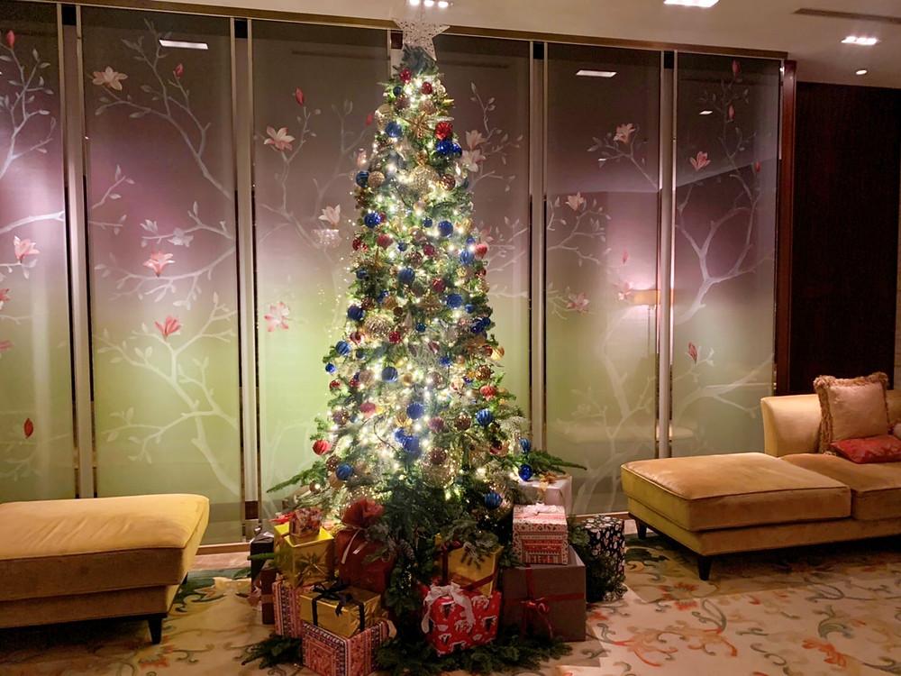 シャングリ・ラ ホテル東京のクリスマスツリー