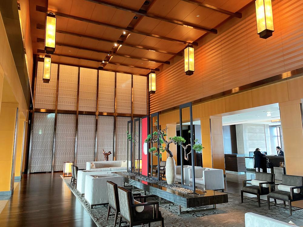マンダリンオリエンタルホテル東京のフロントの様子