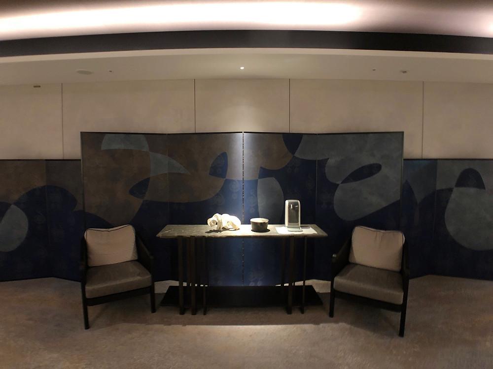フォーシーズンズホテル東京大手町の屏風を模したアート