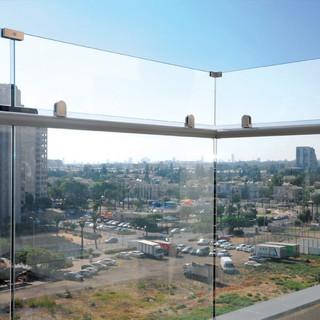 מעקות הגבהת זכוכית - גלאספיקס (2).jpeg