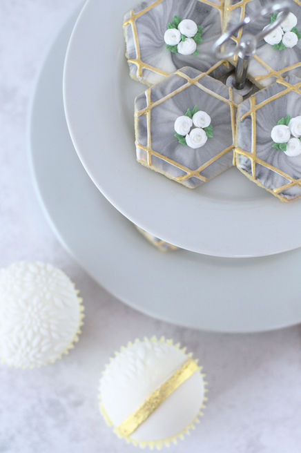 wedding masterclass cookies and cupcakes