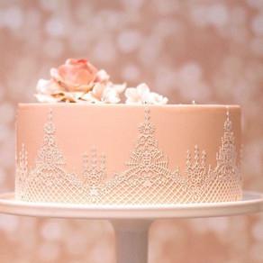 Spotlight on……..our Ganache & Lace Cake Class