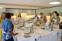Baking and cake decorating classroom