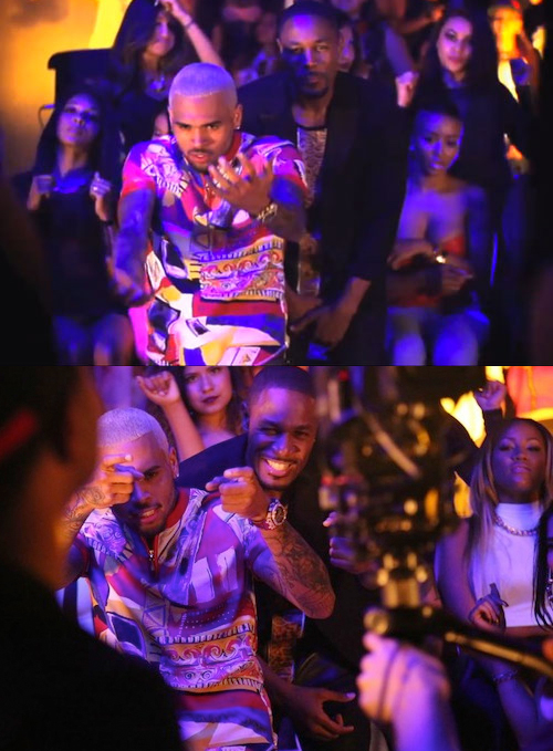 chris-brown-shots-fired-video-dolce-gabbana-printed-t-shirt_zpsaf0196a4