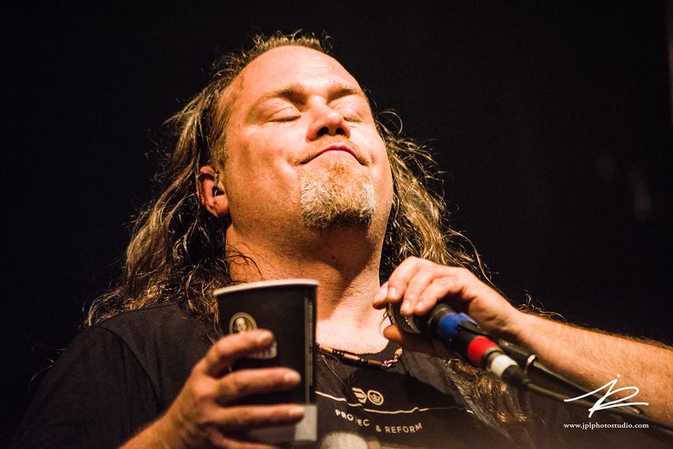 Chris Joly, Alcoholica