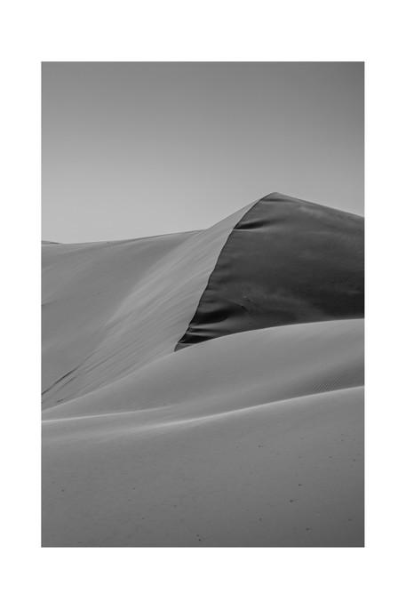 desert_curves_bw_Morocco_18_edited.jpg