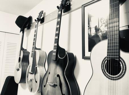 アーチトップ ギター