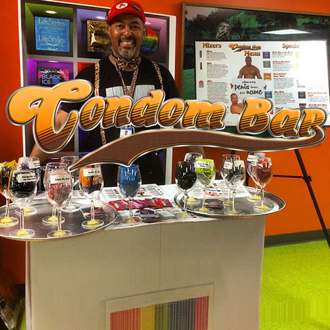 """The Condom Bar: WHERE EVERY PENIS KNOWS YOUR NAME """"First Dates"""""""