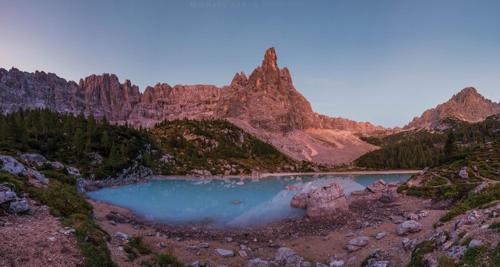 Lago di Sorapis Panorama bei Sonnenaufga