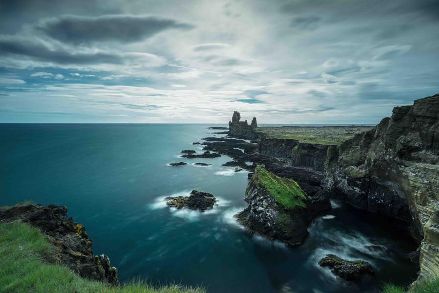 Die Londrangar Cliffs