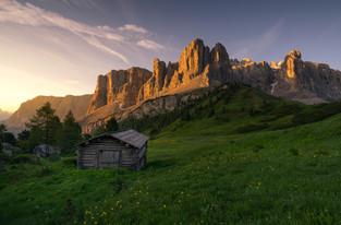 Sonnenaufgang im Grödner Joch