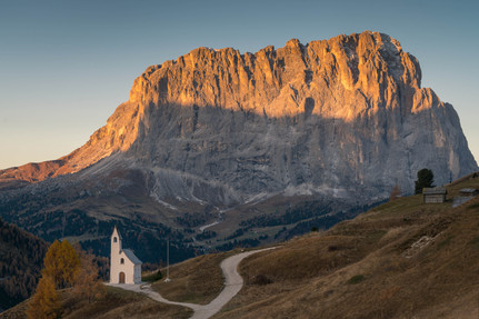 Morgenlicht an der Kapelle di San Maurizio