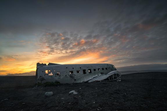 Dc-3 Flugzeugwrack während der Mitternachtssonne