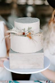 Dried Flower Wedding Cake Decoration