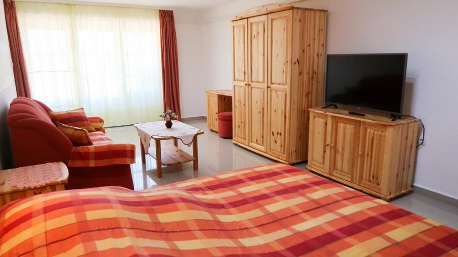 Nappali-hálószoba
