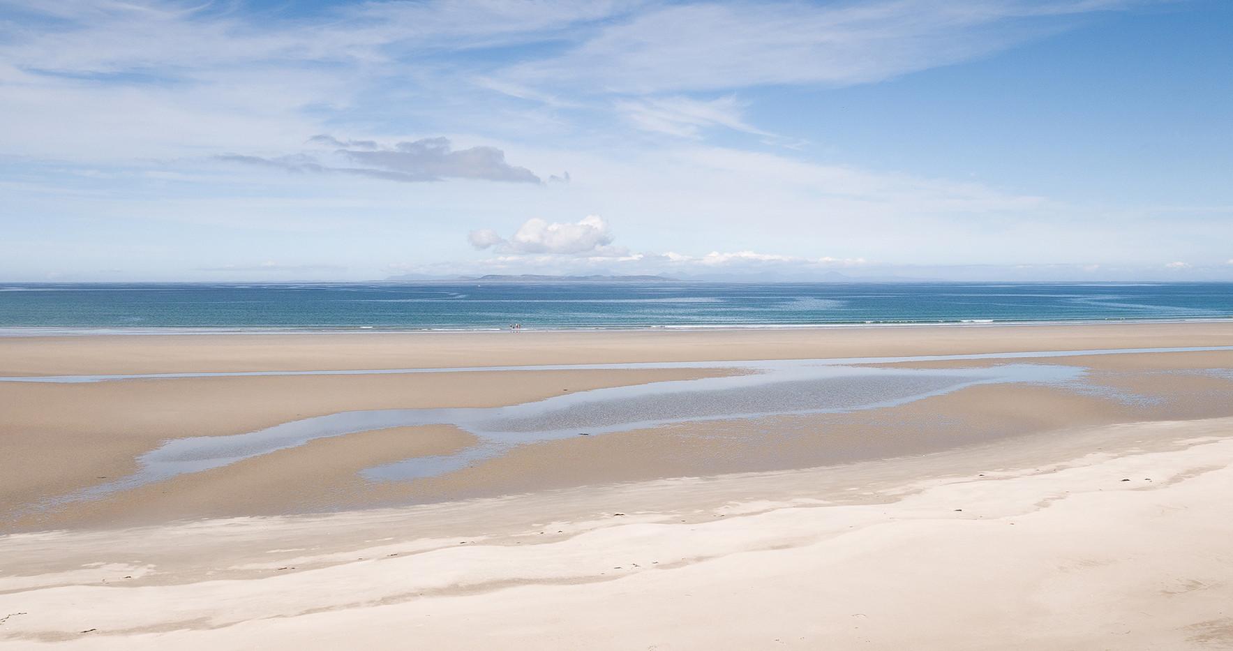 Summer Sands, Distant Lands - Lorraine Parramore