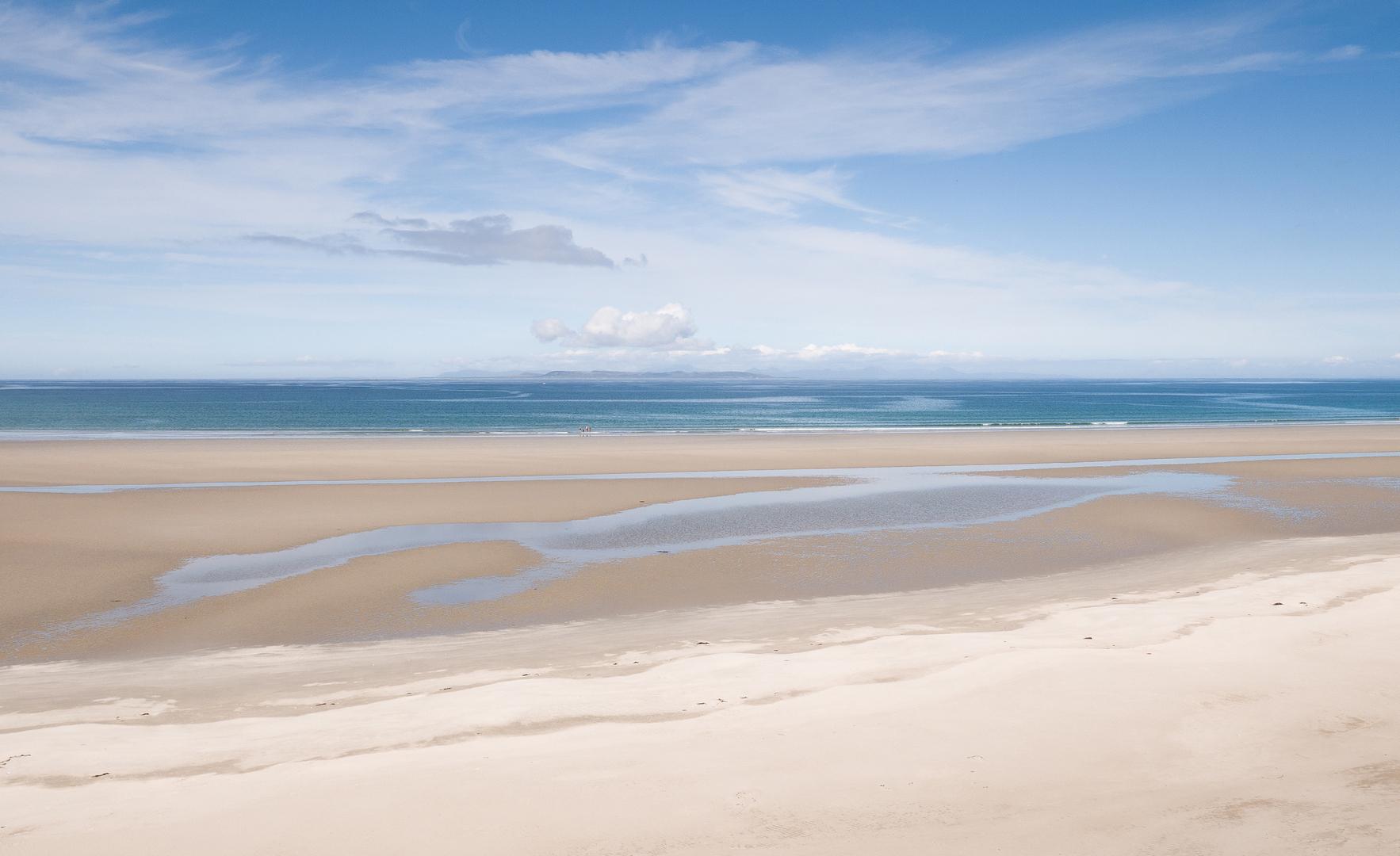Summer Sands, Distant Lands