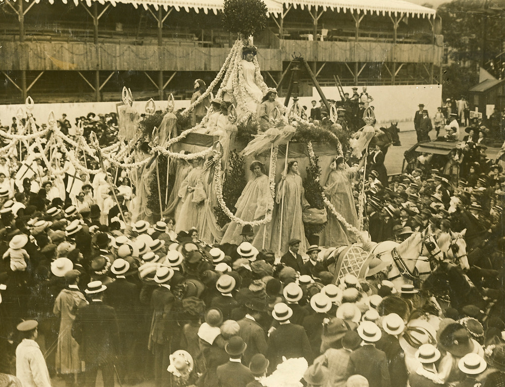 The Empire car with the emperor kings tree atop. Source: The Women's Library (LSE).