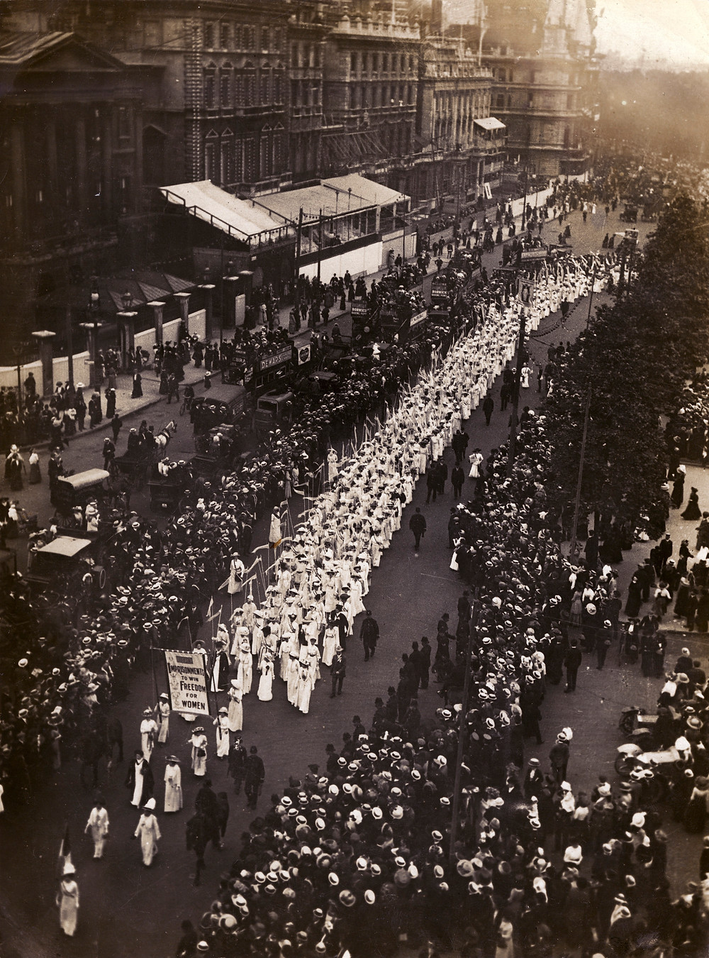 The procession snaked for miles through the city streets. Source: The Women's Library (LSE).