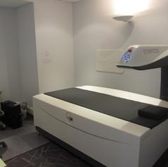 La salle d'ostéodensitométrie