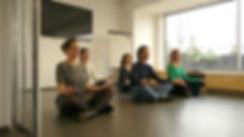 l'atelier yoga cours en entreprise