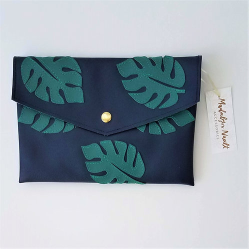 Monstera All Over Clutch