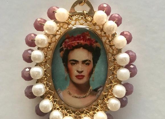 Medalla Frida perla y lila