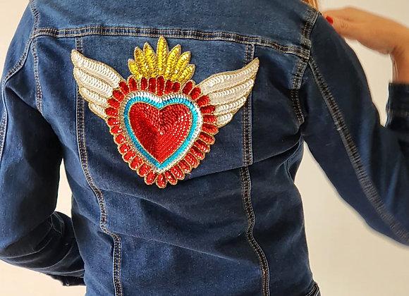 Cazadora joya corazón rojo alado (Pendientes de recibir, dinos si la quieres)