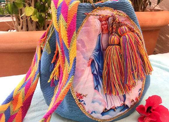 Bolso wayuu azul celeste con Virgen  Milagrosa