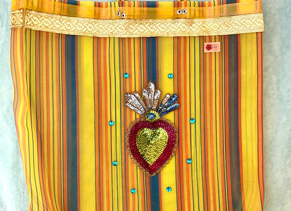 Bag amarilla con corazón de lentejuelas