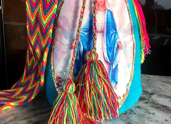 Bolso wayuu turquesa con Virgen  Milagrosa